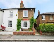 2 bedroom property for sale in Park Road, Hampton Wick