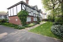 2 bedroom Flat to rent in Greytiles, Teddington