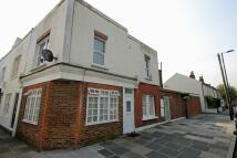 Flat to rent in Shacklegate Lane...