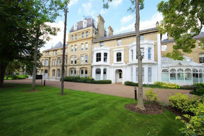 1 Bedroom Flat For Sale In Langdon Park Teddington TW11