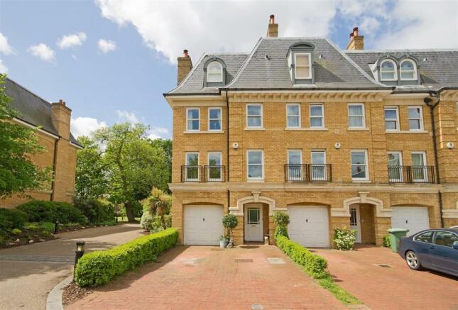 5 Bedroom House For Sale In Langdon Park Teddington TW11