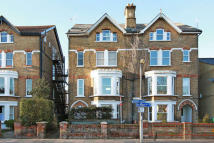 1 bedroom Flat to rent in Ferry Road, Middlesex