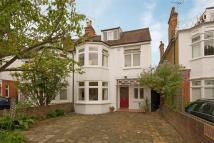 5 bedroom house in Broom Road, Teddington