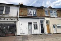 2 bedroom Flat to rent in Stanley Road, Teddington