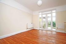3 bedroom house to rent in Craneford Way, Twickenham