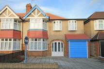 4 bed property for sale in Montrose Avenue, Whitton