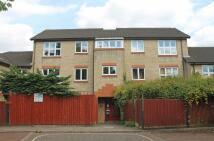 Flat to rent in Ivybridge Close...