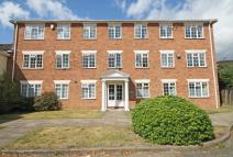 Flat to rent in Abbottsmede Close...