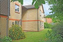 Flat in Ivybridge Close...