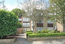 Flat in Manor Road, Twickenham