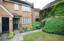 2 bed Flat in Berkeley Mews...