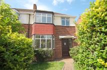 3 bedroom house to rent in Avon Road...