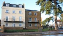 3 bed Flat to rent in Lendy Place...