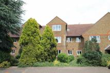 Flat to rent in Kempton Avenue...