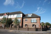 2 bedroom Flat in Batavia Road...