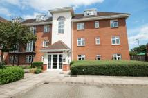 3 bedroom Flat in White Lodge Court...