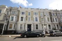 Flat to rent in Castletown Road...
