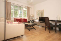 Flat to rent in Redcliffe Close...