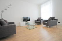 Flat to rent in Hogarth Road, Earls Court