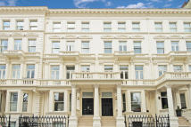 2 bed Flat to rent in Earls Court Square...