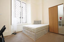 Flat in Hogarth Road, Earls Court