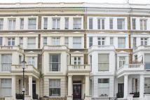 Flat to rent in Nevern Road, Earls Court