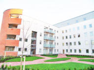 2 bed Flat for sale in Du Cane Road...