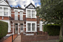 5 bed home in Stanlake Road...