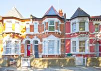 4 bedroom property for sale in Lakeside Road, London
