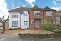 4 bed house in Burtons Road, Hampton