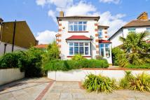 4 bedroom house in Upper Sunbury Road...