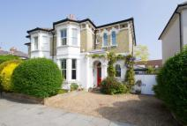 4 bed property in Park Road, Hampton Hill