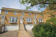 4 bed property to rent in Hogarth Way, Hampton