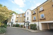 Flat to rent in Deerhurst Crescent...