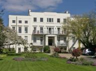3 bed Flat in Hampton Court Road...