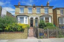 3 bedroom property to rent in Hampton Road...