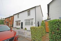 2 bed home in Cross Street...