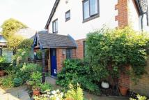 2 bed property in Park Place, Hampton Hill