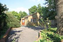 2 bedroom property in Park Road, Hampton Hill