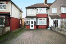 4 bedroom property for sale in Hall Road, Isleworth