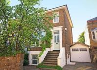 3 bed home in Woodlands Road, Isleworth