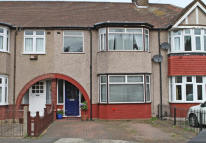 3 bedroom house for sale in Alton Close, Isleworth