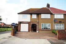 5 bedroom property in Worton Road, Isleworth