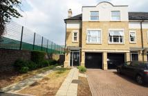 4 bed house in Meadow Bank Close...