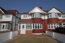3 bed home in Connaught Avenue...