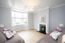 3 bedroom home in Linkfield Road, Isleworth