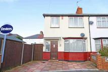 3 bedroom property to rent in Rollit Crescent, Hounslow