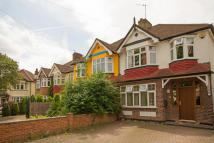 3 bedroom house to rent in Oaklands Avenue...