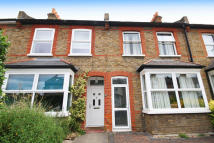 3 bedroom house to rent in Dean Road, Hounslow