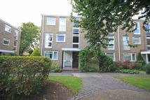 Flat to rent in Harrowdene Gardens...